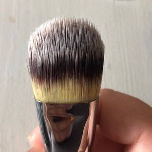 it cosmetics Makeup - Bye Bye Lines Foundation and Brush